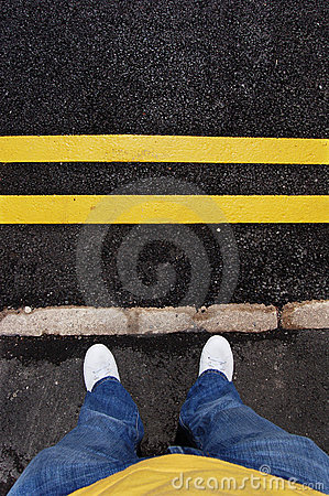 Free Yellow Lines And Feet Royalty Free Stock Image - 2456046
