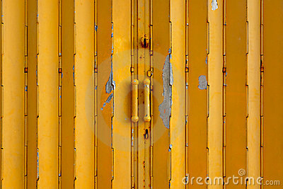 Yellow metal gate