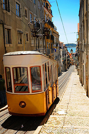 Free Yellow Tram Lisbon Stock Image - 9333381