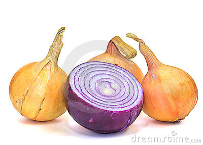 Yellow and violet onions (isolated)