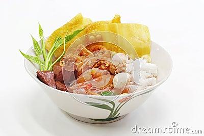 Yen ta fou thai food
