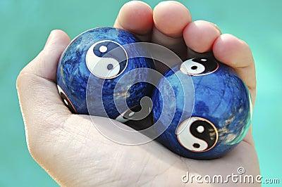 Ying yang balls