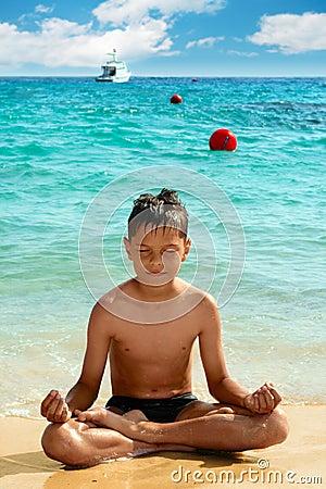 Free Yoga Boy Royalty Free Stock Images - 9429159