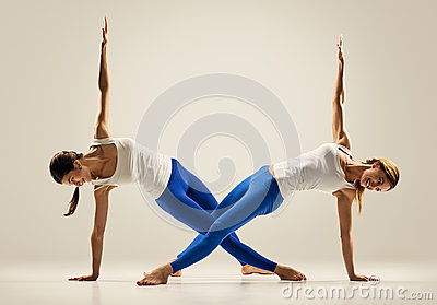 Yoga oefeningen duo