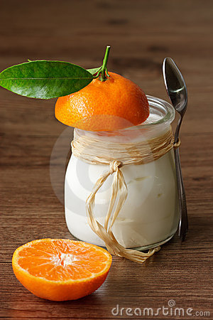 Yoghurt with a mandarine