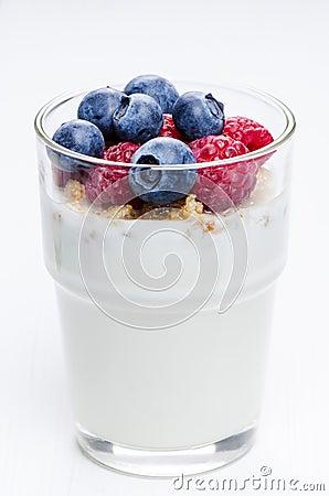 Yogurt with raspberries and blueberries