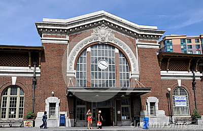 Yonkers, NY: Metro-North Rail Station Editorial Stock Image