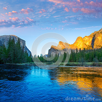 Free Yosemite Merced River El Capitan And Half Dome Stock Photography - 35312672