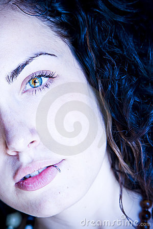 Free Young Beautiful Green Eyed Woman Royalty Free Stock Image - 5500116