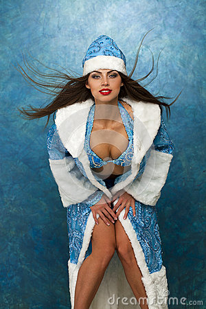Free Young Beautiful Woman Dressed As Russian Snow Maiden Royalty Free Stock Images - 47209209
