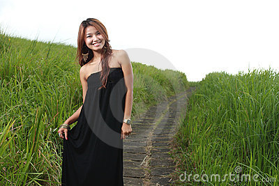 Young beautiful woman smiling outdoor