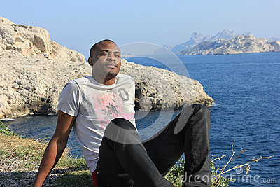 Young black man smiling, outdoor
