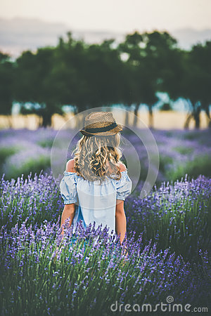 Free Young Blond Woman Traveller Standing In Lavender Field, Isparta, Turkey Royalty Free Stock Photography - 95996127