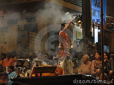 Young Brahmin priests conduct aarti Editorial Stock Image