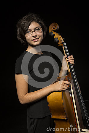 Young cellist rests