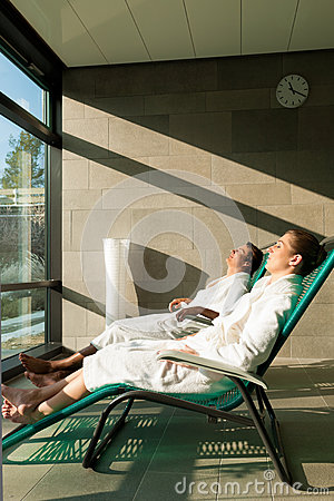 Free Young Couple Relaxing In Wellness Spa Stock Photos - 27039313