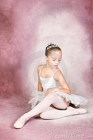 Free Young Dancer Royalty Free Stock Image - 6644406