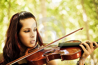 Young Girl Playing Violin Stock Image - Image: 11371441