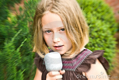 Young Girl Singing / Blur