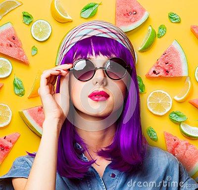 Free Young Girl With Purple Hair And Sunglasses Royalty Free Stock Image - 112167496
