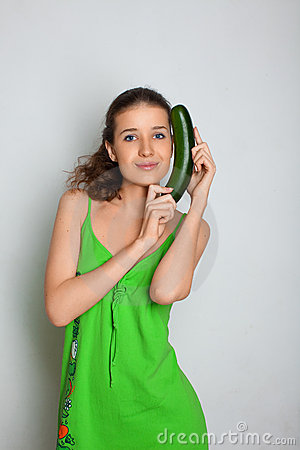 Free Young Girl With Squash Zucchini Royalty Free Stock Images - 14780639