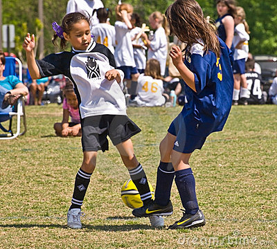 Free Young Girls Soccer Royalty Free Stock Photography - 13907617