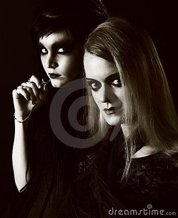 Free Young Gothic Women Royalty Free Stock Images - 23931639