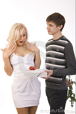 Free Young Guy And Girl Flirt Royalty Free Stock Images - 17755519