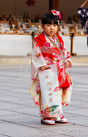 Free Young Japanese Girl In Traditional Kimono Stock Photo - 66429090