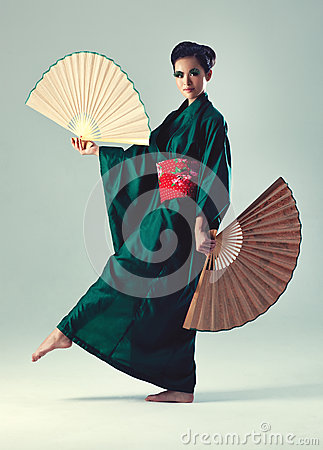 Free Young Japanese Woman Royalty Free Stock Photo - 27683165
