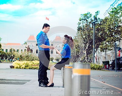 Young Man Chatting Up Girl Free Public Domain Cc0 Image