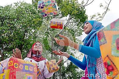 Young Muslim women