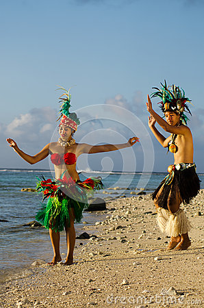 Free Young Polynesian Pacific Island Tahitian Dancers Couple Stock Images - 34350614