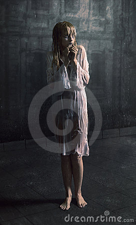 Free Young Scared Girl Under The Rain Royalty Free Stock Image - 20305516