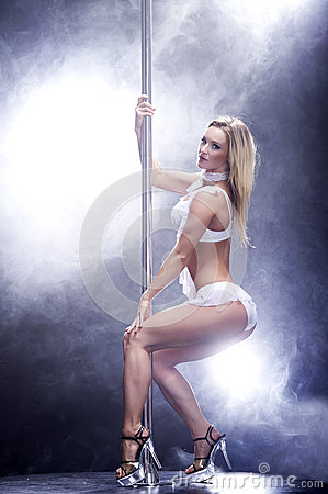 Free Young Sexy Pole Dance Woman. Royalty Free Stock Photo - 29221515
