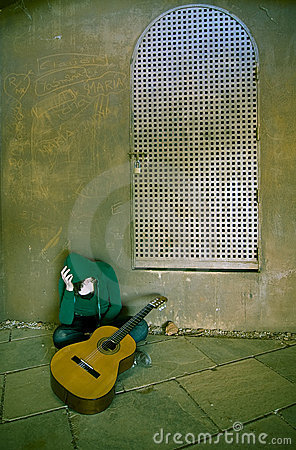 Free Young Suffering Guitar Performer Royalty Free Stock Image - 5136186