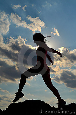 Free Young Woman Climbing Royalty Free Stock Images - 21604599