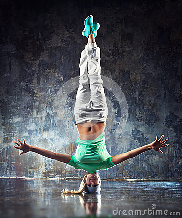 Free Young Woman Dancer Royalty Free Stock Image - 51090546