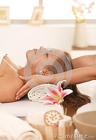Free Young Woman Enjoying Massage Royalty Free Stock Images - 18506329