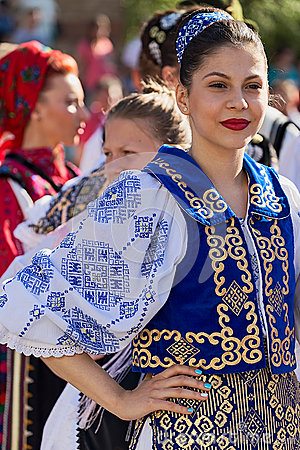 Free Young Woman From Romania In Traditional Costume 20 Stock Image - 74543951