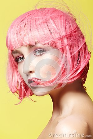 Free Young Woman In Pink Wig. Beautiful Model With Fashion Makeup. Bright Spring Look. Sexy Hair Color, Medium Hairstyle Stock Image - 112513531