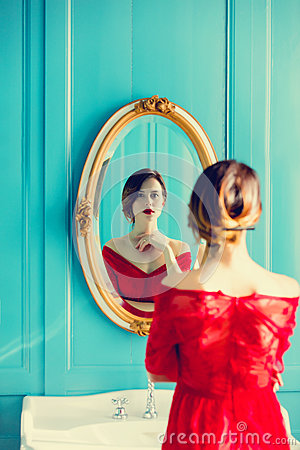 Free Young Woman Looking At Mirror Royalty Free Stock Images - 91962839