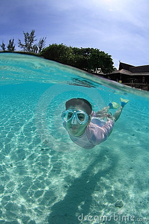 Free Young Woman Snorkeling Royalty Free Stock Photography - 10956107