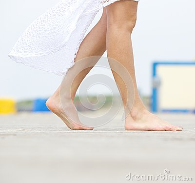 Free Young Woman Walking Barefoot Outdoors Stock Photos - 40472403