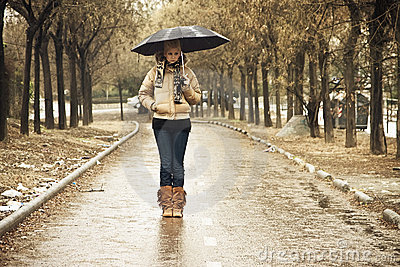 Young woman in walkway