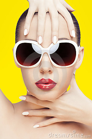 Free Young Woman Wearing Sunglasses Stock Image - 21568031
