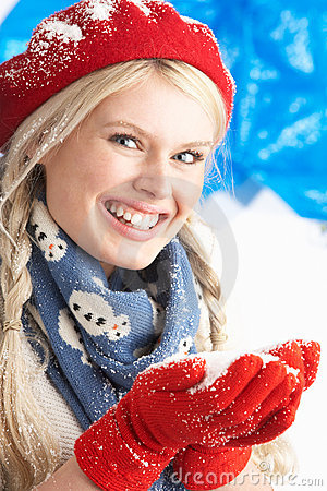 Free Young Woman Wearing Warm Winter Clothes And Hat Stock Photo - 14454580
