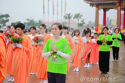 Young Women In Processional With Flowers Free Public Domain Cc0 Image