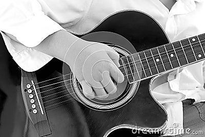 how to play sinner boy guitar