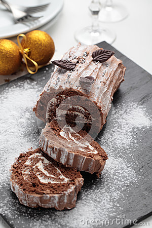Free Yule Log Cake On A Christmas Table Royalty Free Stock Photos - 54516258